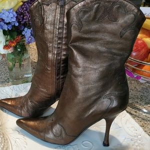 BCBG leather Western style boots .new cond .sz 8.